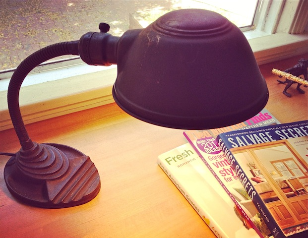 vintage-Eagle-desk-lamp
